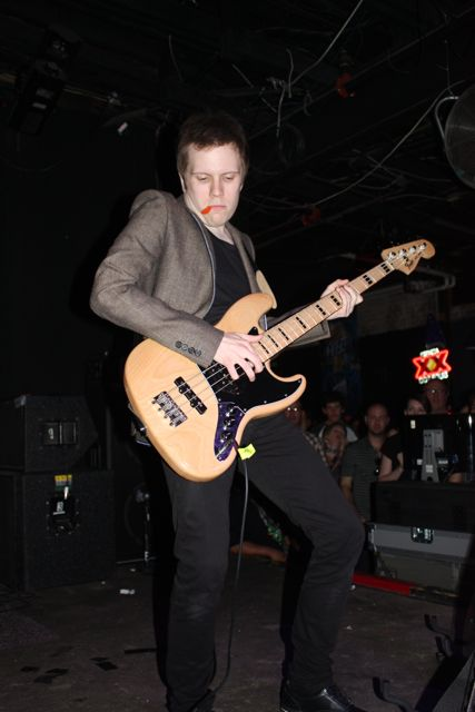 Live forever guitar